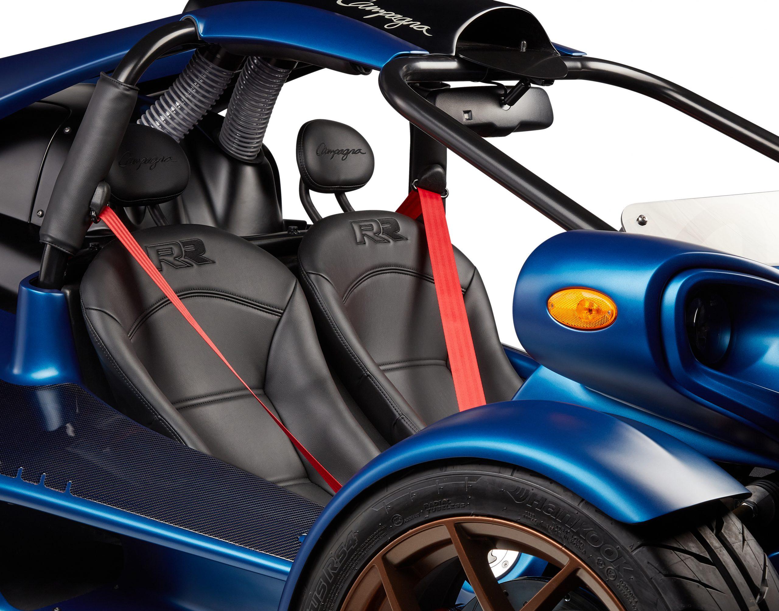 T-REX-RR-2022-BLACK-seats-RED-belt