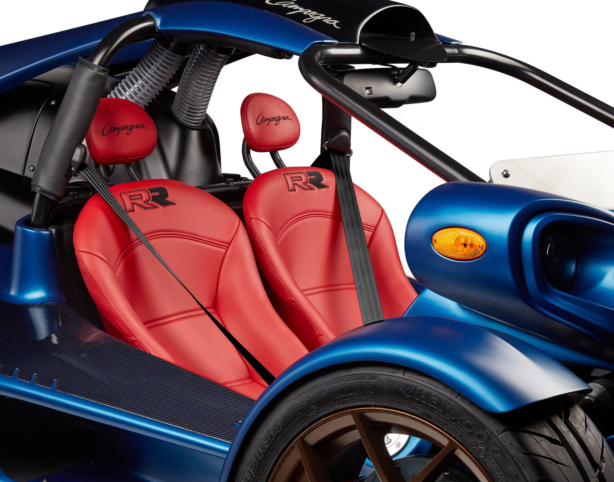 T-REX-RR-2022-RED-seats-BLACK-belt
